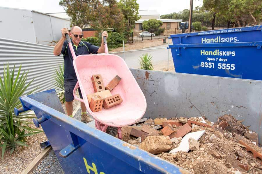 HANDISKIPS SA FOR SKIP BIN HIRE IN WOODCROFT