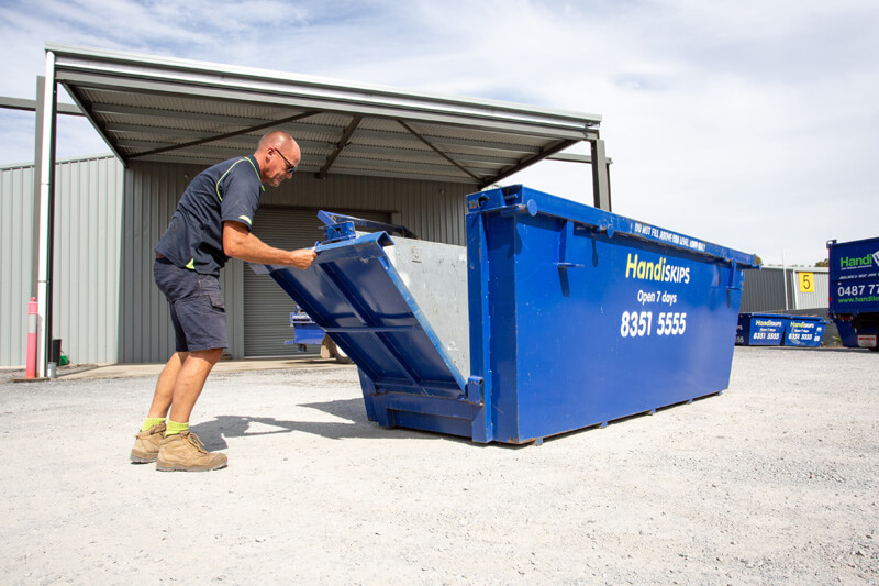 HANDISKIPS SA FOR SKIP BIN HIRE IN HACKHAM